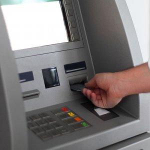 Saudi CB Curbs Cash Withdrawals