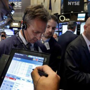 US Stocks Tumble as Fed Sows Fear, Confusion