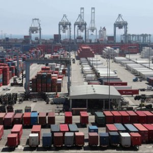 US Trade Deficit Grows as High $ Hurts Exports
