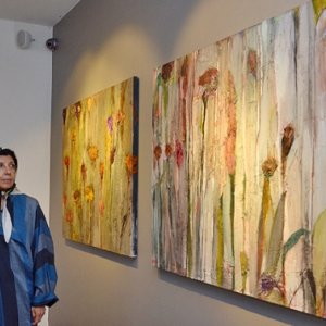 Ettehadieh's Abstract Paintings on Refugees
