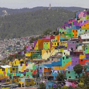 Working-Class Barrio Turns Into Huge Mural