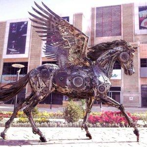 Life-Like Animal Sculptures With Scrap Metal