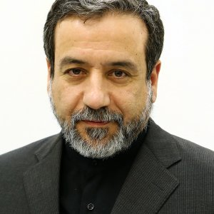 Araqchi to Outline Tehran Foreign Policy in UK Forum