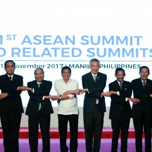 Zarif  Will Sign Friendship Agreement With Asean