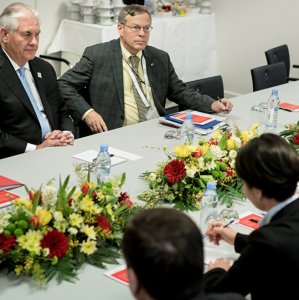 Lavrov, Tillerson Discuss  Iran at First Meeting