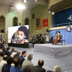 Ayatollah Seyyed Ali Khamenei met war veterans and commanders in Tehran on May 24.