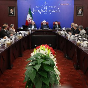 President Hassan Rouhani meets top Economy Ministry officials in Tehran on Jan 8.