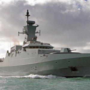 Two Omani Warships to Dock in Bandar Abbas