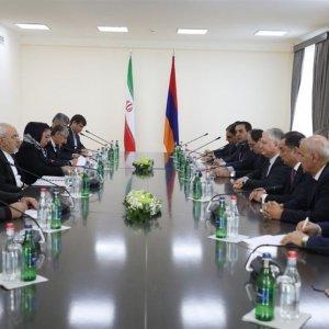 Zarif Visits Yerevan to Bolster Mutual Trade