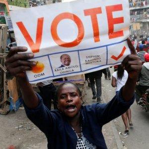 Kenya Crisis Deepens as Kenyatta Leads  in Disputed Poll