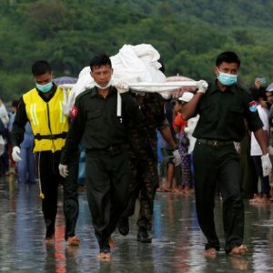 China Offers Help to Myanmar After Plane Crash