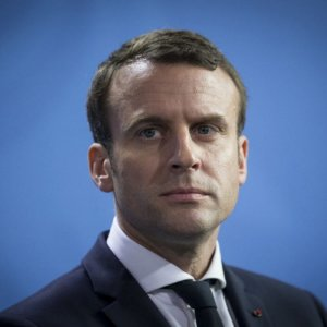 Macron, Cast as Out of Touch, Says Not Aloof