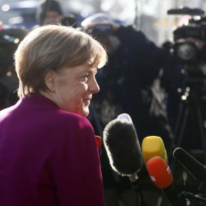 Merkel Ready for Painful Compromises to Seal Gov't Deal