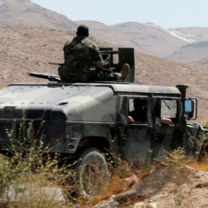 Lebanese Army, Hezbollah Target IS at Syria Border