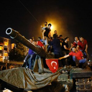 Turkey Dismisses Thousands Police, Civil Servants, Academia