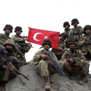 Turkey Returns Fire on Kurdish YPG