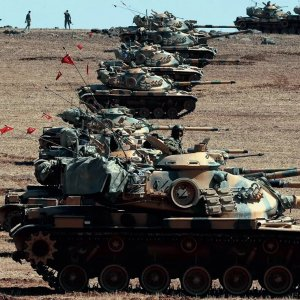 Turkish tanks have taken up position on the Turkish-Iraqi border.