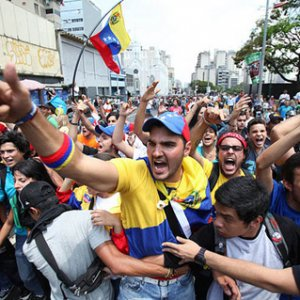 Venezuelans Clog Roads in Anti-Government Protests