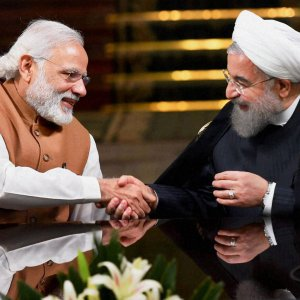Indian Prime Minister Narendra Modi (L) shakes hands with Iran's President Hassan Rouhani in Tehran on May 23, 2016. (File Photo)