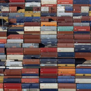 Iran's Global Trade Share Meager