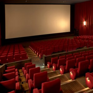 There is one cinema for 286,474 Iranians and one screen for 192,593 people.