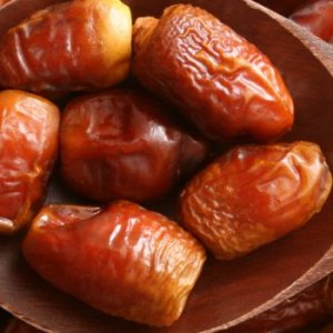 Iranian Dates Earn $80m  in 4 Months