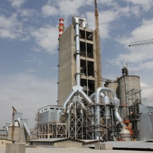 The domestic cement industry is currently operating at 75% of its production capacity.