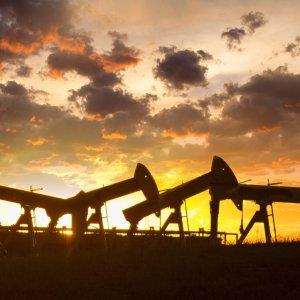 Big Bets on Oil Stalwart Despite Bearish Signals