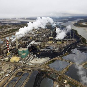 Canada Spends Big to Reduce Oil Sands' Footprint