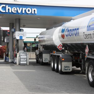 Fewer Stock Options for  Chevron's Top Management