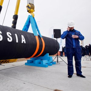EU Plans Rule Change to Snag Russian Gas Pipeline