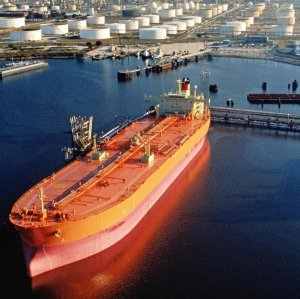 Iran plans to increase and maintain the level of oil byproducts exports at 600,000 bpd.
