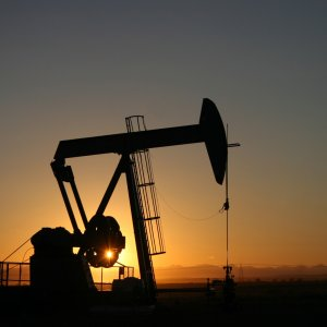 France Passes Ban on Oil, Natural Gas Extraction