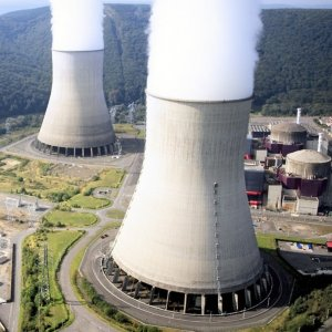France Deciding on Nuclear Reactor Closures by Yearend