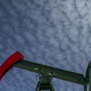 Oil Market Rebalancing Speeds Up, Inventories Lag