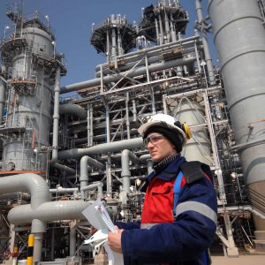Gazprom Neft,  OMV May Cooperate  in Iran Project