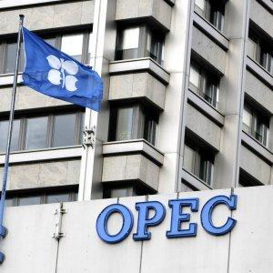 OPEC to Discuss Cuts in Nov.