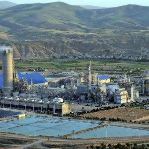 Iran produced just over 50 million tons of petrochemicals and polymers in the fiscal 2016-17.