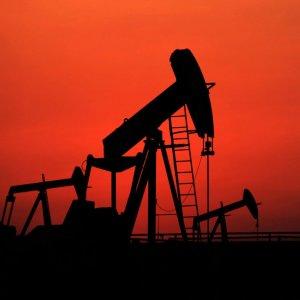 Oil Slumps to 3-Week Low