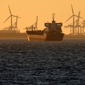Brent, WTI Prices Spike as Iran November Deadline Nears