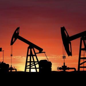Crude Benchmarks Buckle