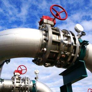 Qatar Not  Cutting Gas Supply to UAE