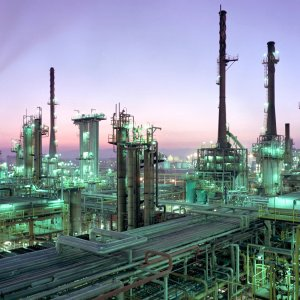 Tehran has signed an agreement with China's Sinopec for reconditioning Abadan Oil Refinery.