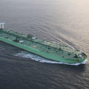 Saudis Cut Light Crude Prices for Asia