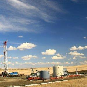 Poles Looking to Extract Crude in Kermanshah