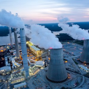 Trump's Plan to Save Coal, Nuclear Plants in Trouble