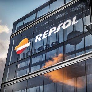 Oil Majors Pulling Out of Crisis-Ridden Venezuela