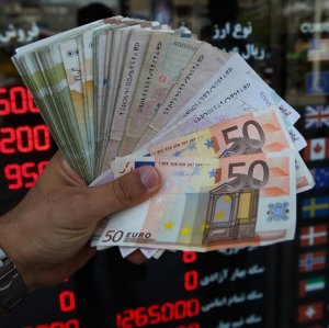 Euro, USD Continue Rally