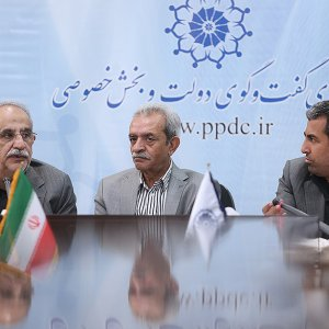 ICCIMA Chairman Gholamhossein Shafei is flanked by Economy Minister Masoud Karbasian (L) and the head of Majlis Economic Commission, Mohammad Reza Pour-Ebrahimi, attended a meeting in Tehran on Oct. 3.