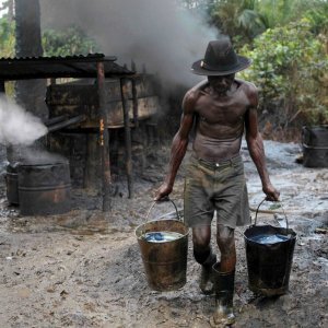 Thieves Stall Nigeria Crude Supply Via Export Terminals
